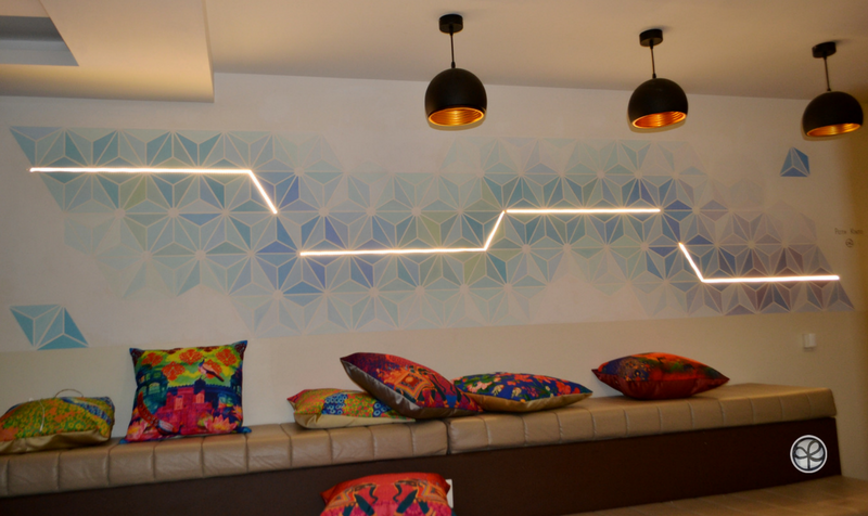 Wall mural with a geometric pattern