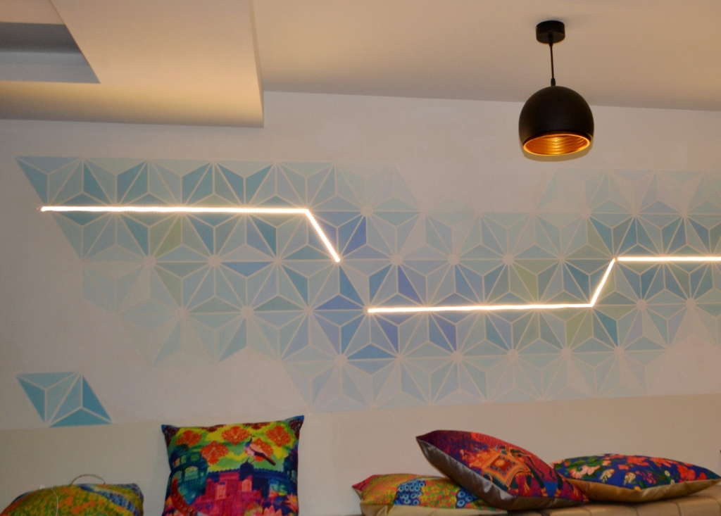Wall mural of geometric pattern